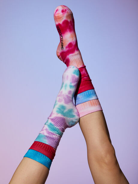 Save 15% when you shop 3 pairs of socks., , large image number 0