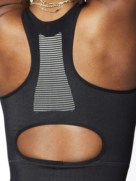 Seamless Contour Sports Bra, Black, large image number 4