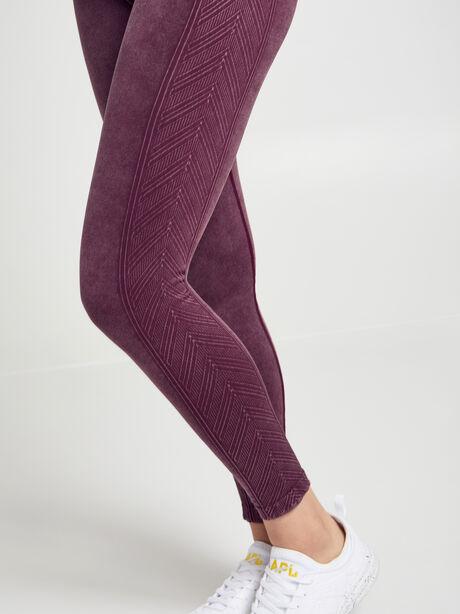 Diamond Seamless Legging & Sports Bra Kit, Burgundy, large image number 3