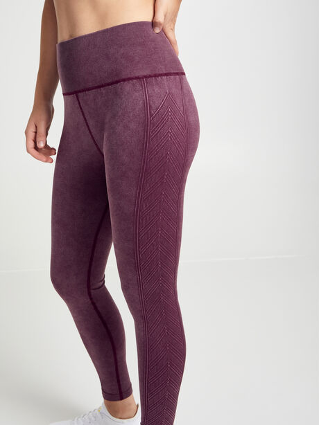 Diamond Seamless Legging & Sports Bra Kit, Burgundy, large image number 2