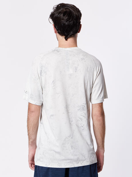 Metal Vent Tech Shortsleeve, White/White/Light Cast, large image number 2
